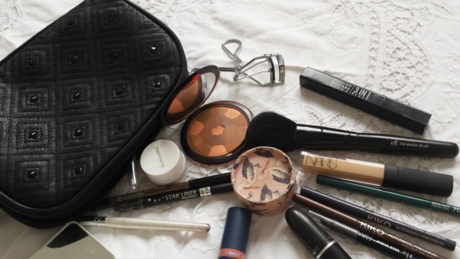 #dansmasalledebain 2 : Ma trousse à maquillage