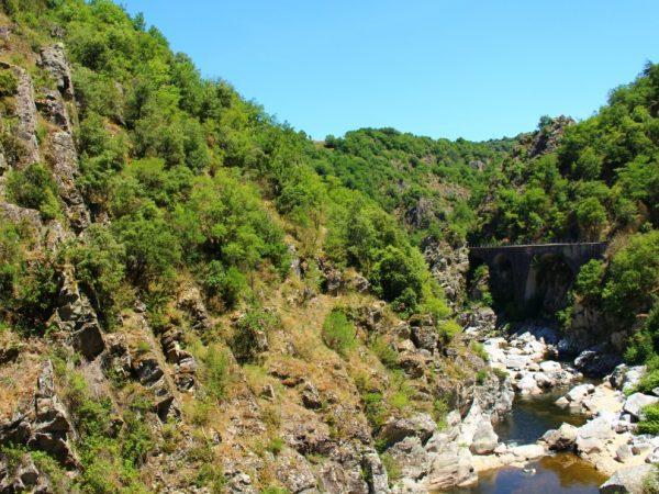 #EnFranceAussi : au fil de l'eau avec le train de l'Ardèche