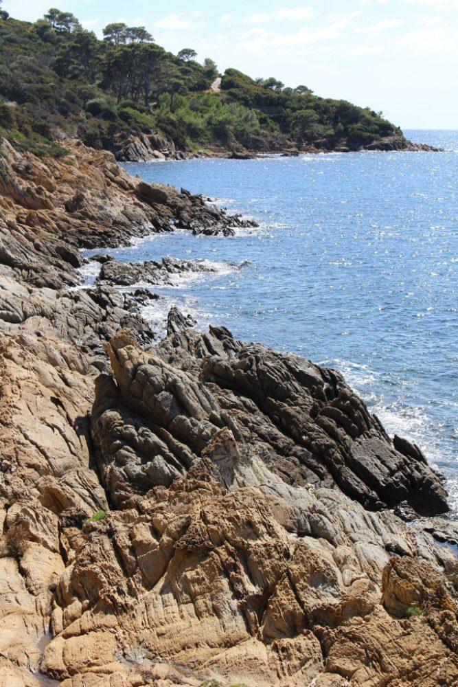rocher crique levant
