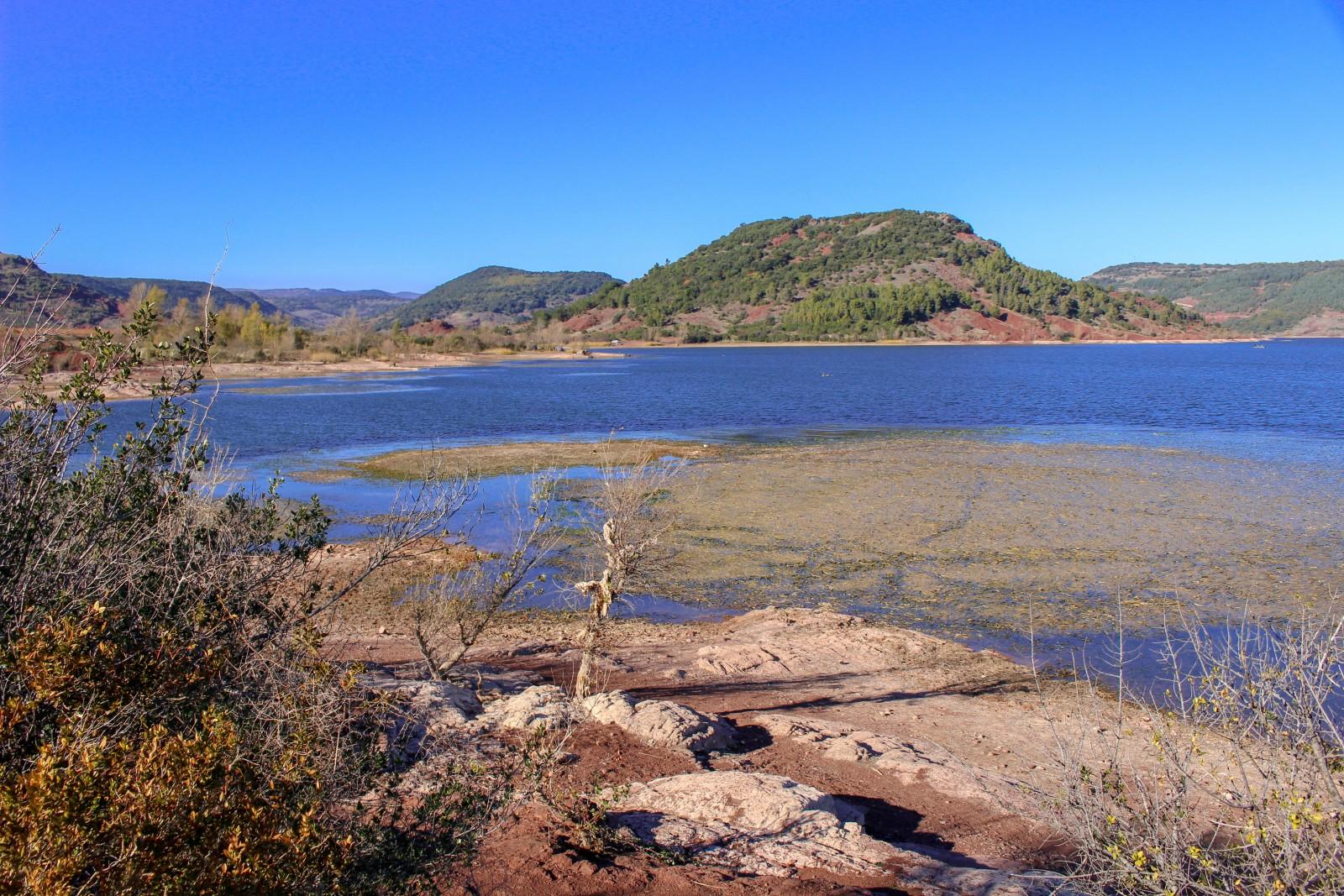 lac salagou occitanie
