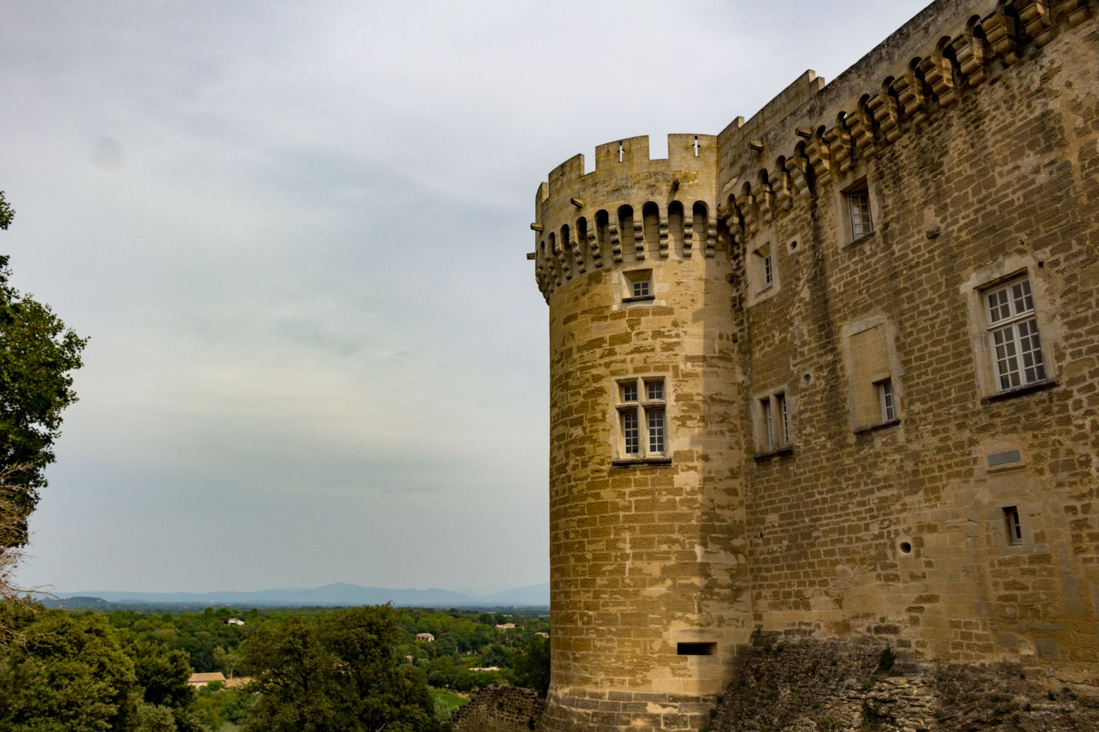 visiter chateau Suze la Rousse