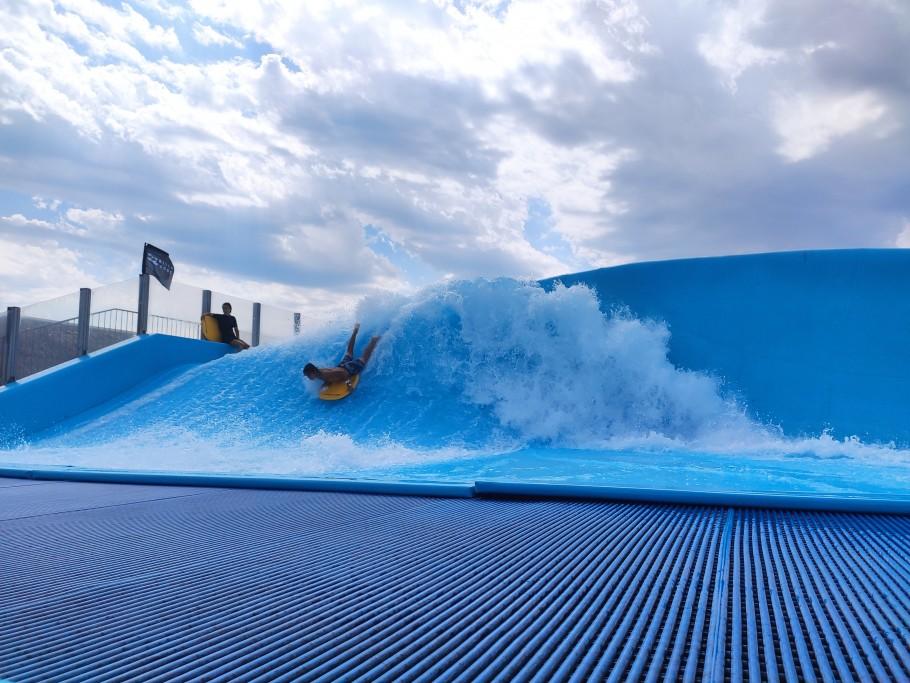 wave island provence